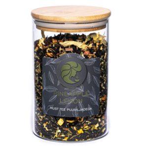 Must tee puuviljadega purk