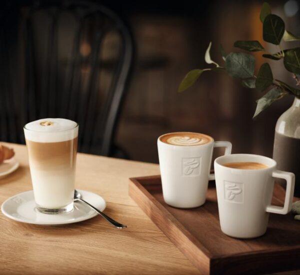 Kohvitass ja Cafe Latte klaas TCHIBOt