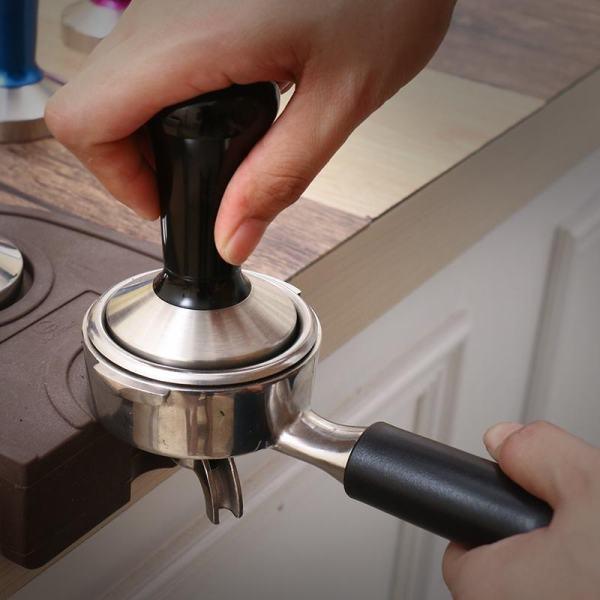 Kohvi tampimismatt tamperi hoidjaga 15 x 14cm 3
